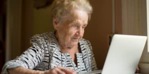 Elderly-woman-going-online