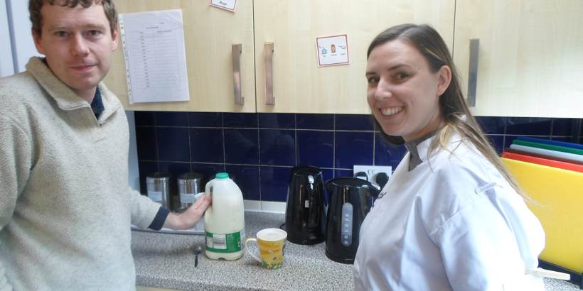 Carer-helps-make-tea-at-home